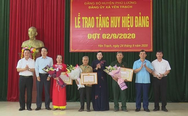 Đồng chí Bí thư Tỉnh ủy làm việc tại xã Yên Trạch, huyện Phú Lương