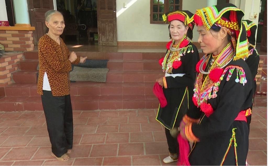 Người phụ nữ hết mình với văn hóa dân tộc