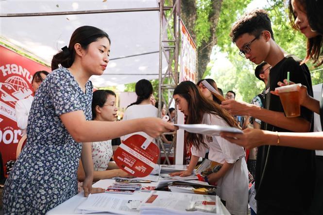 Các trường đại học công bố điểm chuẩn, Bộ sẽ chốt phương án tuyển sinh năm 2021