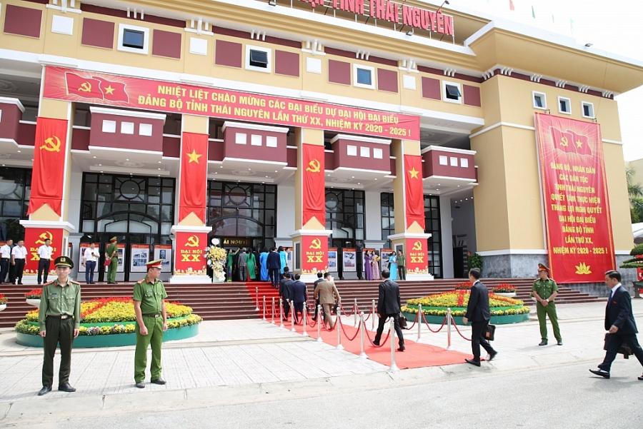 [Photo] Các đại biểu dự Phiên khai mạc Đại hội đại biểu Đảng bộ tỉnh Thái Nguyên lần thứ XX