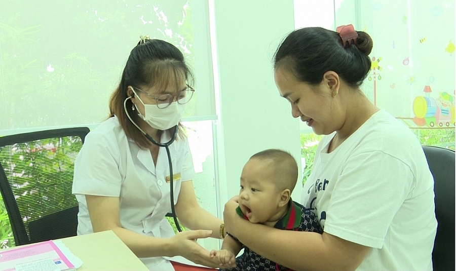 Xã hội hóa đầu tư y tế, nâng cao chất lượng chăm sóc sức khỏe nhân dân