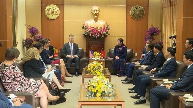 Đồng chí Bí thư Tỉnh ủy tiếp Đoàn công tác của Đại sứ quán Hoa Kỳ tại Việt Nam