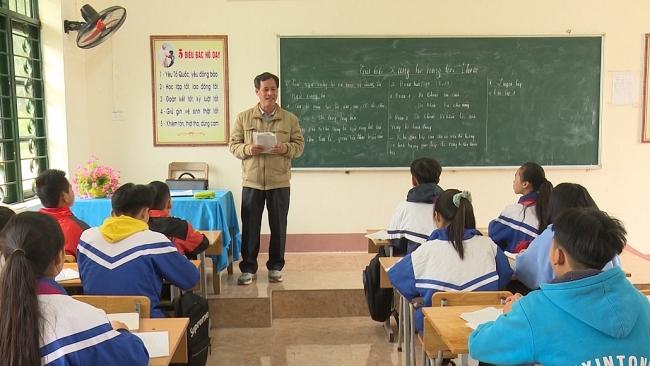 """Xóa bỏ chứng chỉ tin học, ngoại ngữ: Giáo viên trút """"gánh nặng"""""""