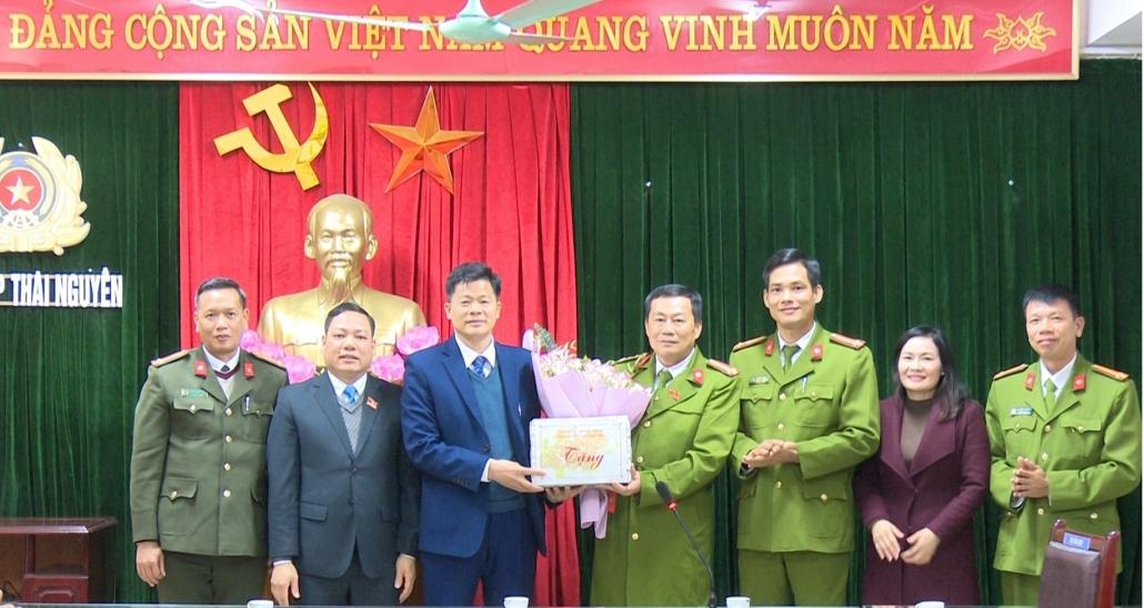 Thành phố Thái Nguyên khen thưởng đột xuất lực lượng công an