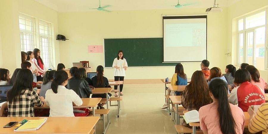 Chuyển đổi số trong các trường Đại học ở Thái Nguyên (Cam 17/12)