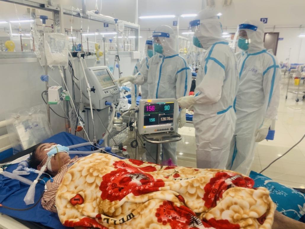 Từ Long An: 35 người bệnh đang được điều trị tại Trung tâm Hồi sức COVID-19 Trung ương