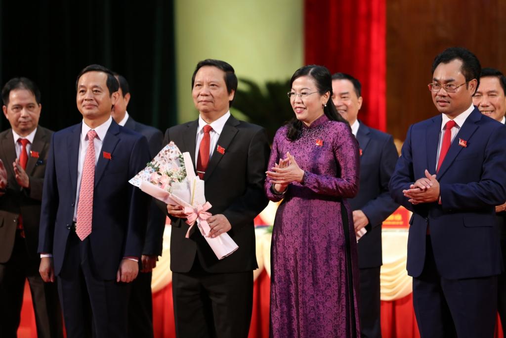 Đại hội XX: Chia tay các đồng chí Ủy viên BCH Đảng bộ tỉnh khóa XIX