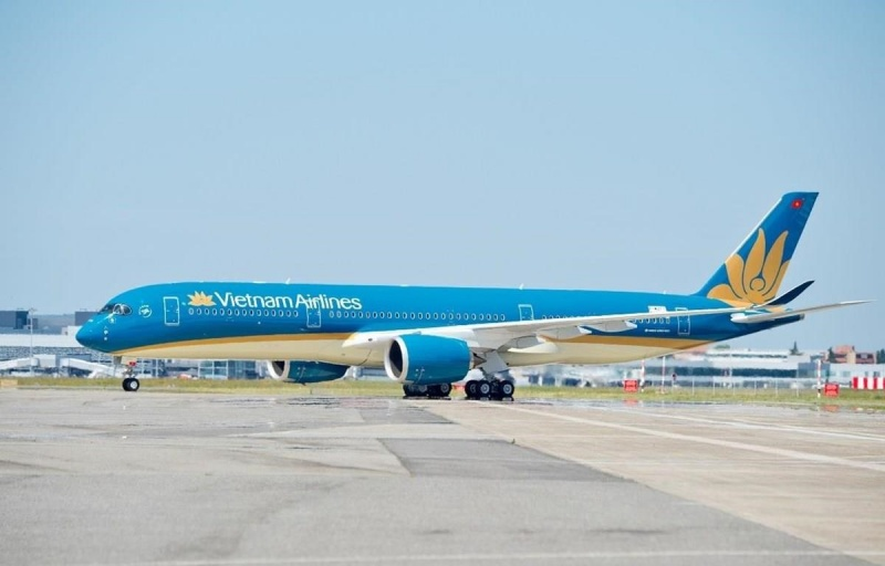 vietnam airlines tam dung khai thac tat ca cac duong bay quoc te