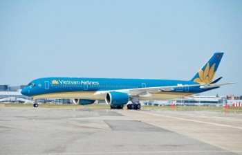 vietnam airlines tam dung khai thac tat ca cac duong bay quoc te