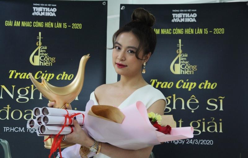 Hoàng Thùy Linh ''đại thắng'' tại Giải Âm nhạc Cống hiến lần thứ 15