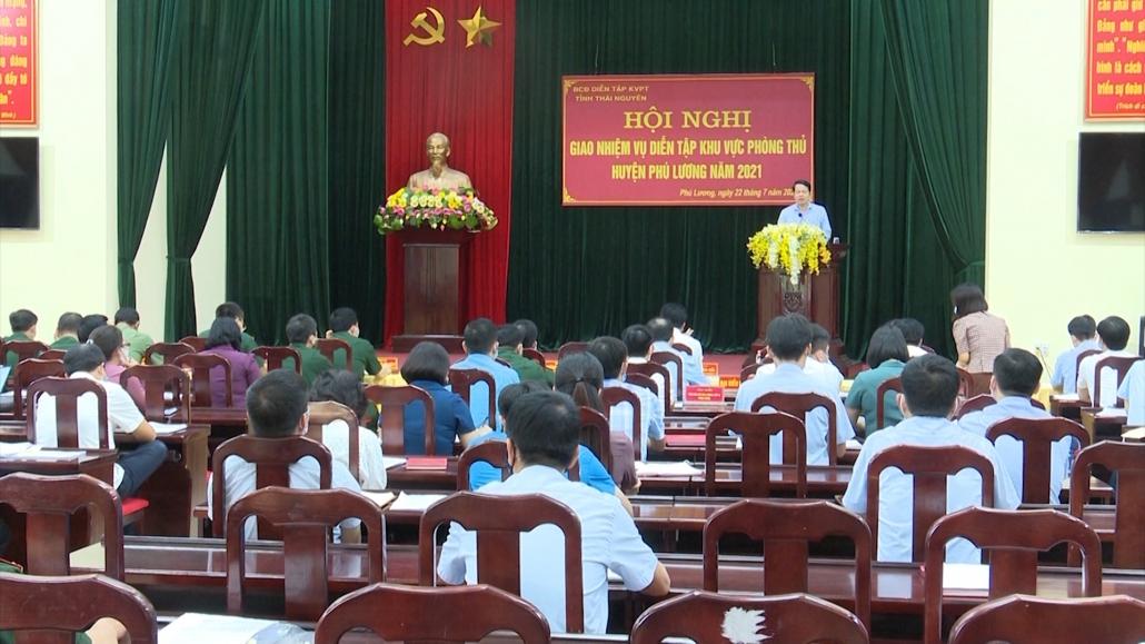 Hội nghị giao nhiệm vụ diễn tập khu vực phòng thủ huyện Phú Lương năm 2021