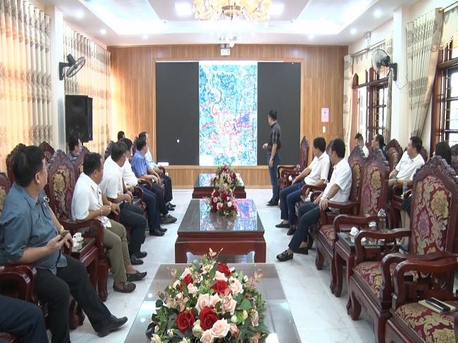 Đồng chí Chủ tịch UBND tỉnh làm việc tại thị xã Phổ Yên