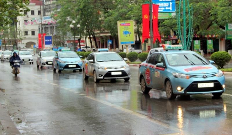 Phòng, chống dịch bệnh COVID-19 cho người lái xe taxi