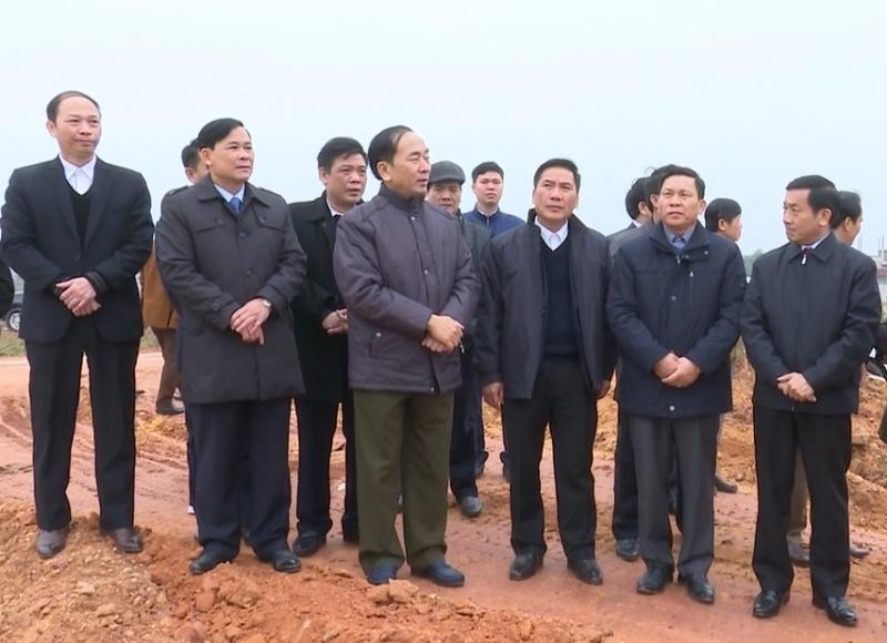 Lãnh đạo tỉnh kiểm tra xây dựng cánh đồng mẫu lớn ở Phú Bình