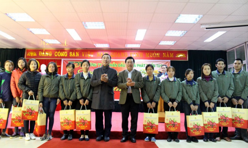 pho thu tuong chinh phu tham tang qua tinh thai nguyen nhan dip tet nguyen dan mau tuat 2018