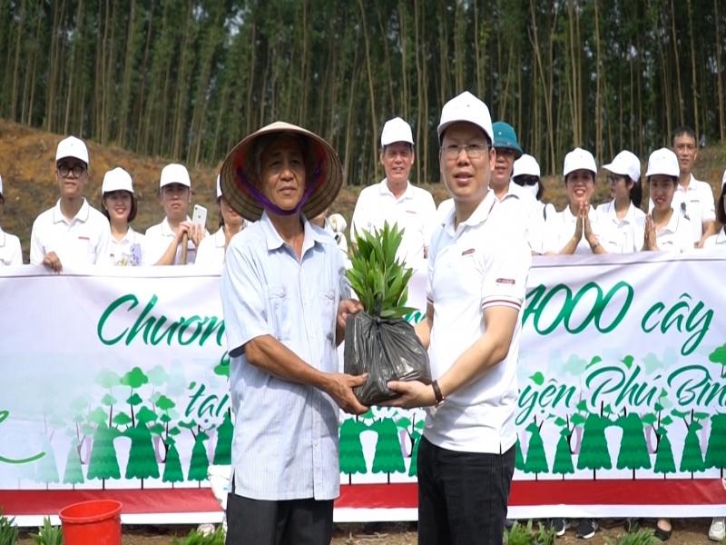 agribank nam thai nguyen trong 4000 cay xanh