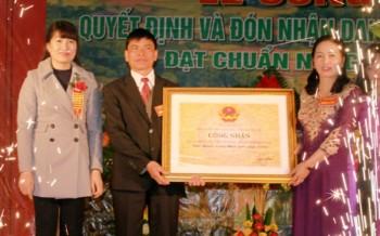 Xã La Hiên, huyện Võ Nhai đón Bằng công nhận xã đạt chuẩn Nông thôn mới