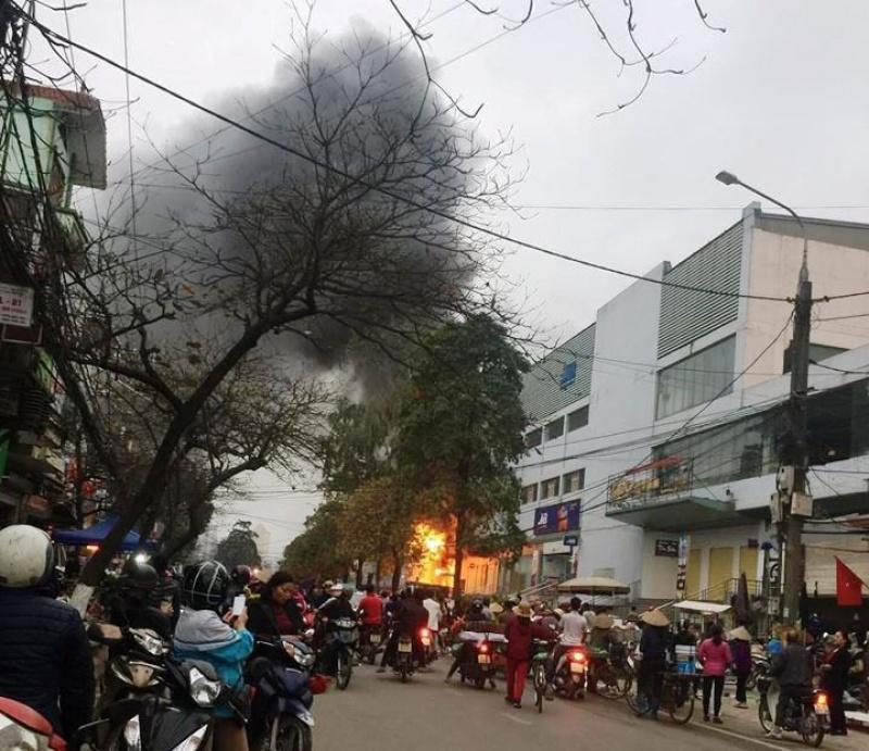 Nhanh chóng dập tắt vụ cháy tại Chợ Thái, Thành phố Thái Nguyên