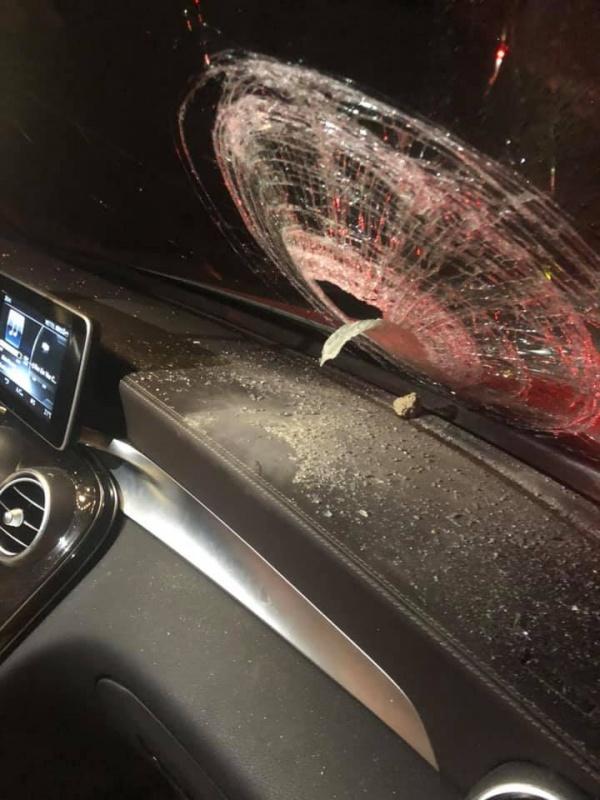 Tái diễn tình trạng ném đá vỡ kính xe ô tô trên cao tốc Hà Nội - Thái Nguyên
