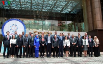 Ngày làm việc đầu tiên của Hội nghị lần thứ ba APEC (SOM 3)