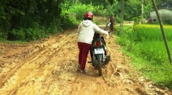 Người dân Tân Khánh, Bàn Đạt, Phú Bình mong chờ nâng cấp, sửa chữa đường liên xã