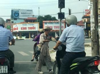TP Thái Nguyên: Cần có biện pháp ngăn chặn tình trạng ăn xin tại các ngã tư đèn xanh, đèn đỏ
