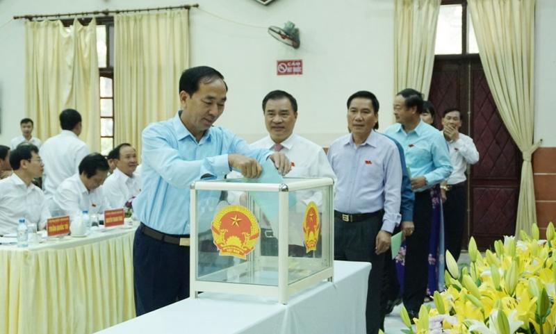 HĐND tỉnh Thái Nguyên - Lấy phiếu tín nhiệm đối với các chức danh do HĐND tỉnh bầu, chất vấn và trả lời chất vấn các vấn đề cử tri quan tâm