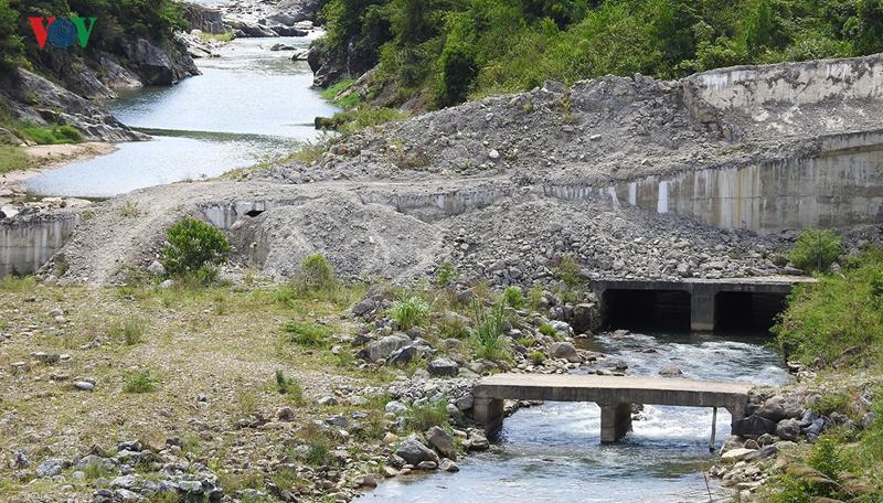 """Hàng loạt thủy điện """"chết lâm sàng"""" ở huyện nghèo Đăk Glei, Kon Tum"""