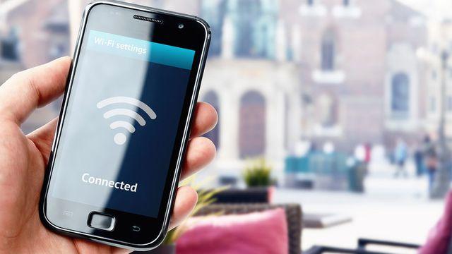 chi giai tri cho vui tren smartphone cung co the bi danh cap tai khoan tien bac