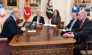 Cuộc chiến giữa Trump và cộng đồng tình báo Mỹ - VnExpress