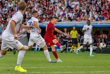 Liverpool thắng đậm Lyon trước trận Siêu cup Anh