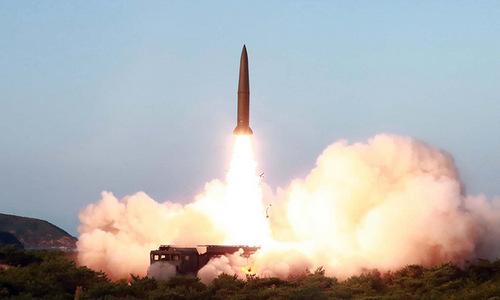 Triều Tiên tiếp tục phóng tên lửa, dọa tìm 'con đường mới'