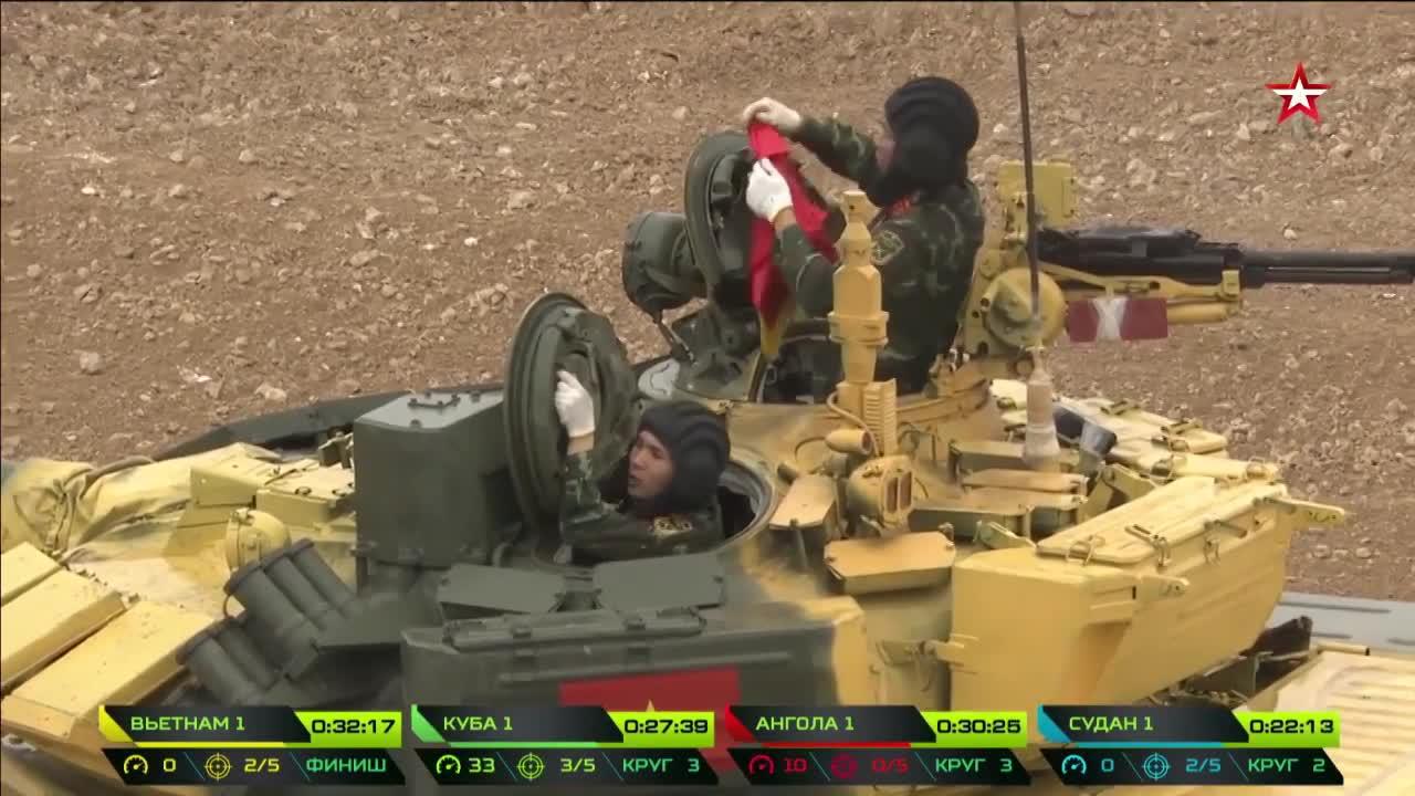 Đội Việt Nam đạt thành tích tốt trong ngày đầu đua xe tăng ở Nga
