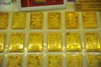 Giá vàng SJC ghi đỉnh mới 41,65 triệu đồng/lượng
