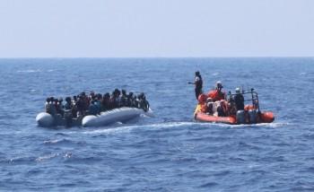 Được giải cứu, người di cư vẫn mắc kẹt trên biển khi châu Âu từ chối tiếp nhận