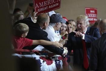 Nhiều cử tri Mỹ hoài nghi năng lực điều hành kinh tế của ông Trump