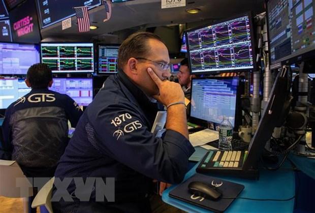 Thị trường chứng khoán Âu-Mỹ diễn biến trái chiều