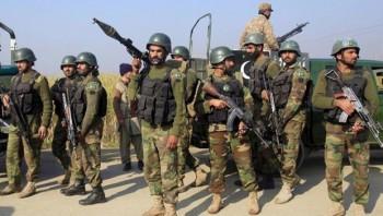 Ấn Độ: Lực lượng an ninh và phiến quân đọ súng ở Kashmir
