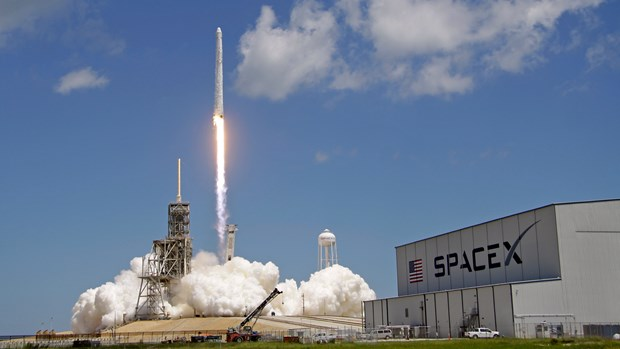 spacex lan thu hai phong ve tinh du an cung cap internet toc do cao