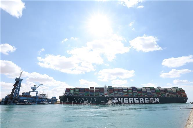 Vụ tàu mắc kẹt ở kênh đào Suez: Tiếp tục nỗ lực giải cứu tàu Ever Given