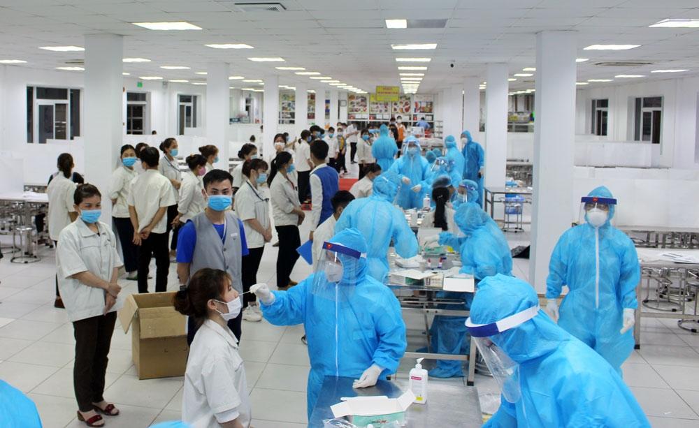 2.759 mẫu xét nghiệm tại KCN Điềm Thụy cho kết quả âm tính lần 1