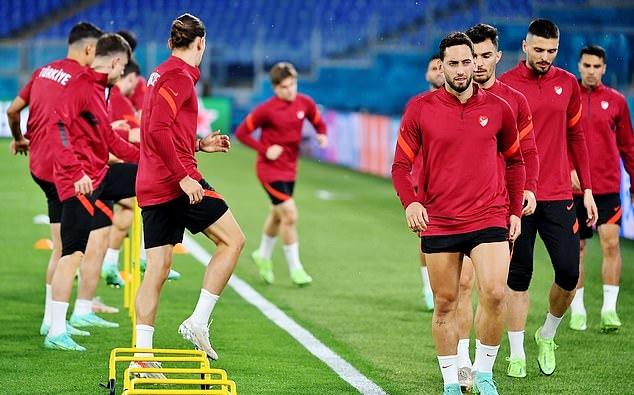 """EURO 2020: """"Mọi con đường đều dẫn đến thành La Mã"""""""