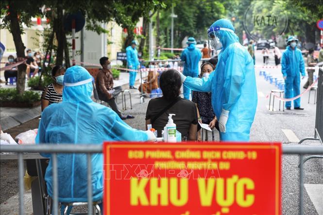 Ngày 27/8, Việt Nam ghi nhận 12.920 ca nhiễm mới SARS-CoV-2; có 10.126 ca khỏi bệnh