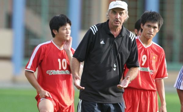Cựu HLV trưởng đội tuyển Việt Nam Alfred Riedl qua đời