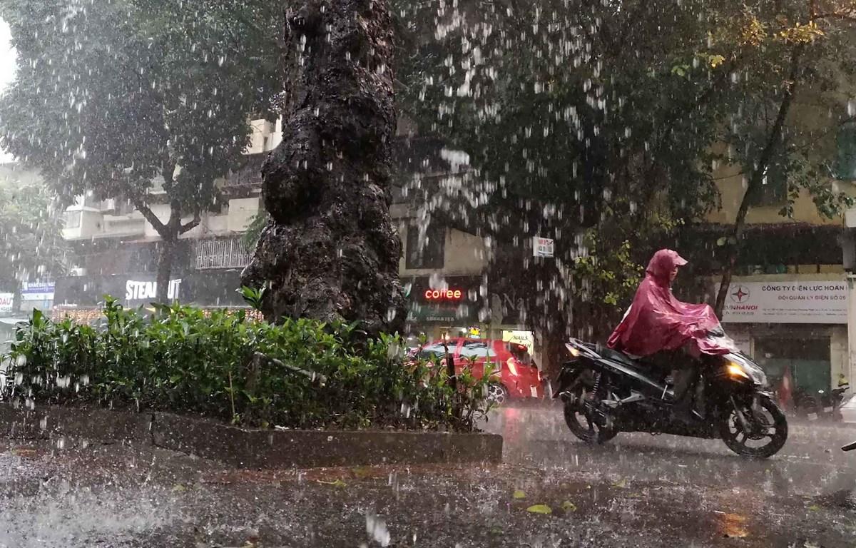 Từ 19-28/9, các khu vực mưa dông kéo dài, đề phòng thời tiết nguy hiểm