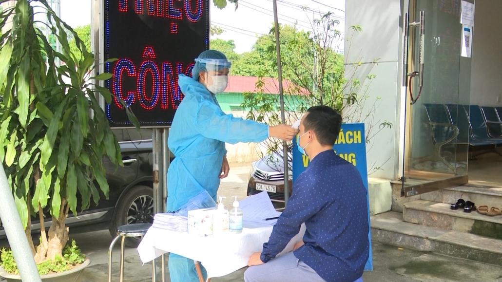 Cán bộ, nhân viên y tế tư nhân đăng ký tham gia chống dịch