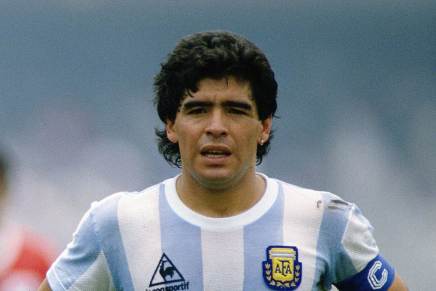 Vĩnh biệt huyền thoại bóng đá Argentina và thế giới Diego Maradona