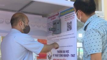 Trao tặng máy đo thân nhiệt tự động cho các trường Đại học và Cao đẳng trên địa bàn tỉnh Thái Nguyên