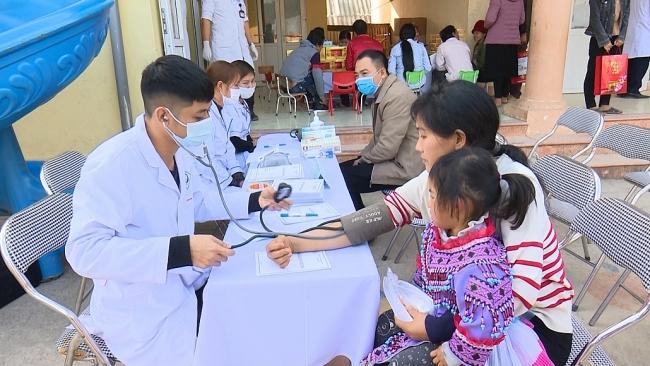 Chăm sóc sức khỏe đồng bào dân tộc thiểu số