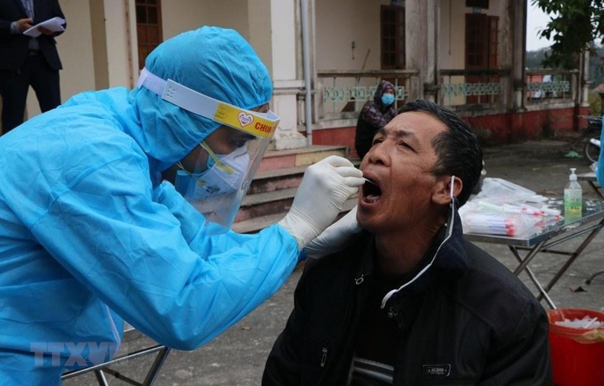 Bộ Y tế yêu cầu xét nghiệm người về từ ổ dịch Hải Dương, Quảng Ninh